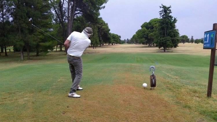 A partir de hoy el Golf Club Puerto Belgrano reabre sus puertas