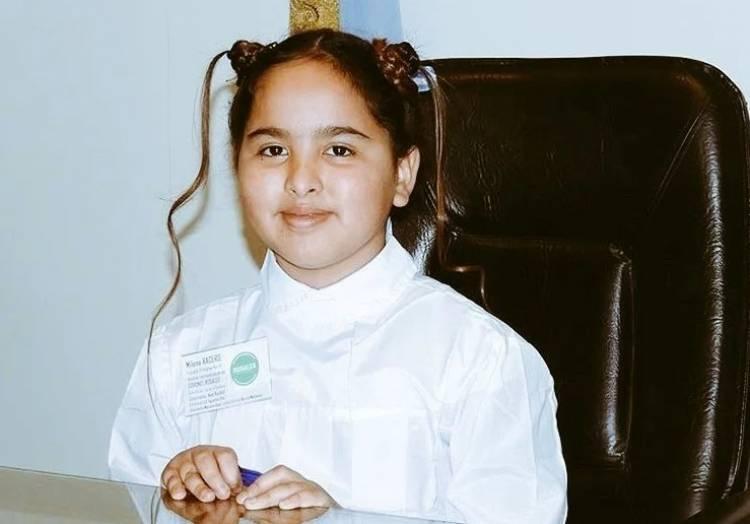 Milena Racero representó a nuestro distrito en la promesa a la Bandera