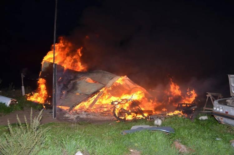 Incendio intencional en una precaria vivienda de la Nueva Bahía Blanca