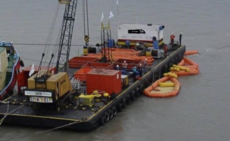 Puerto Rosales: Prefectura Naval inhabilitó un pontón por riesgo de hundimiento
