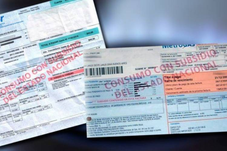 El Gobierno prorrogó la prohibición de cortar servicios y de cerrar cuentas bancarias