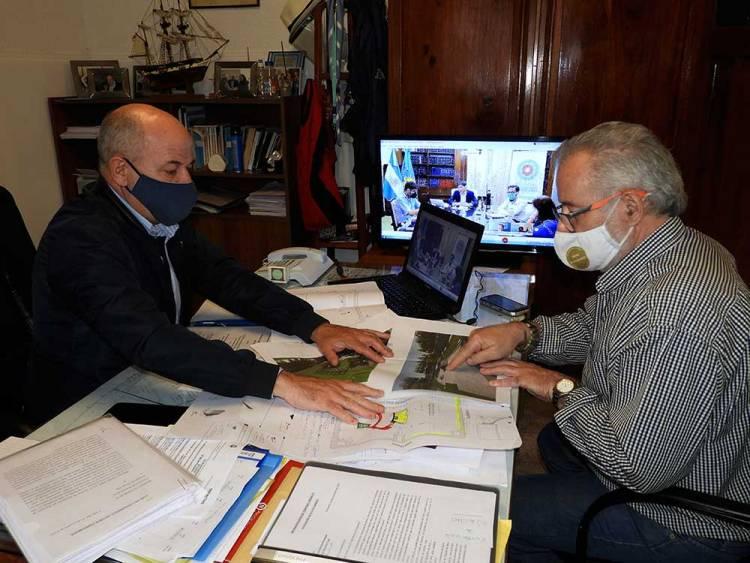 El Intendente Uset firmó convenio para obra de refuncionalización del Parque Sarmiento