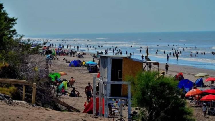 Se aprobó una ordenanza que establece el uso de la playa de Pehuen Co