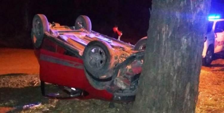 Pehuen Co: Dos personas heridas tras sufrir un vuelco con un auto