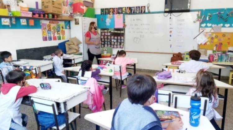 """""""Todo marcha bien"""" dijo la presidenta del Consejo Escolar de Coronel Rosales"""