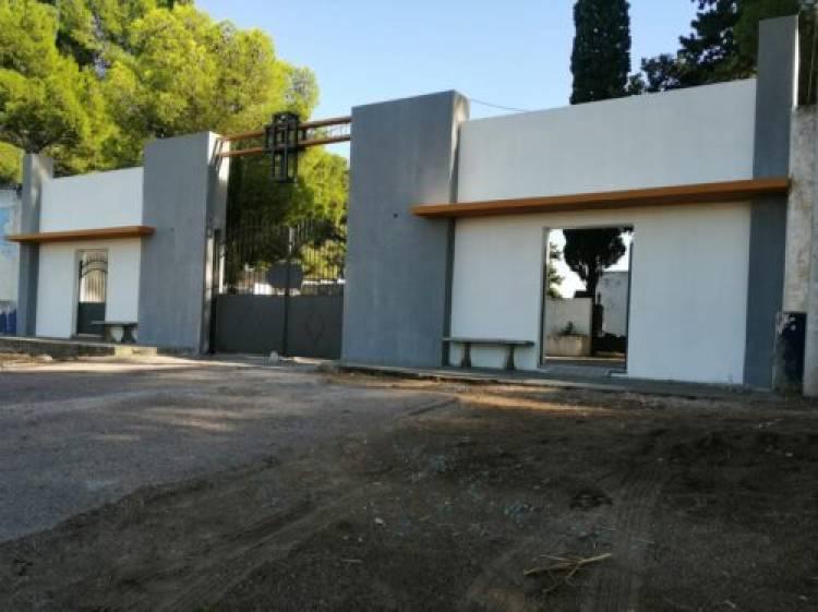 Siguen las obras de recuperación de cercos, nichos e ingresos en el Cementerio Municipal