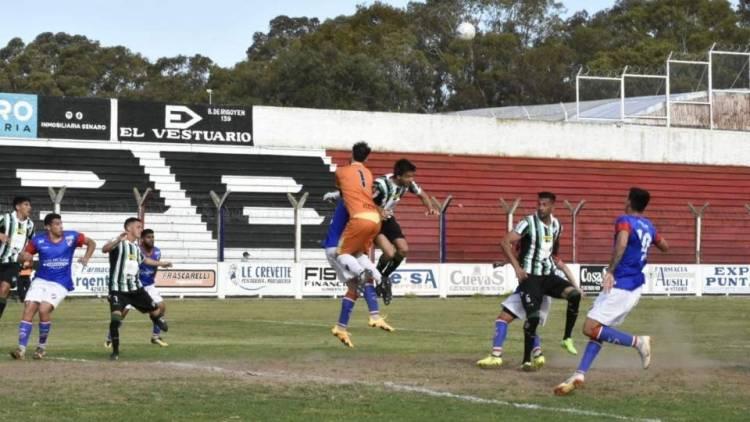Liga del Sur: Rosario empató de local en el partido de ida contra Villa Mitre