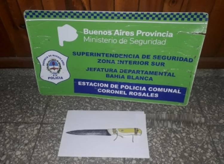 Persecusión y aprehensión de unos jóvenes acusados de amenazar con cuchillos a chicos en la plaza