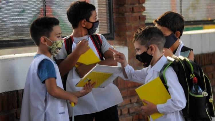 El Ministerio de Salud informó que la presencialidad en escuelas puede implicar alto riesgo colectivo