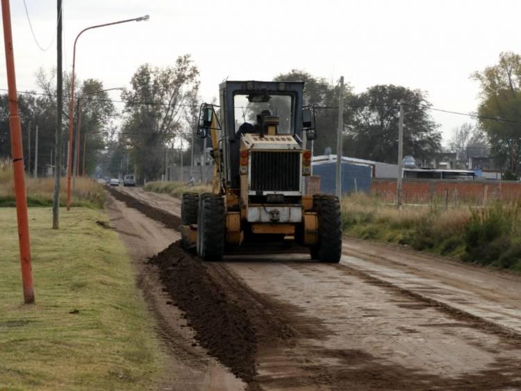 El Municipio de Coronel Rosales continúa trabajando para reparar y mantener las calles de tierra