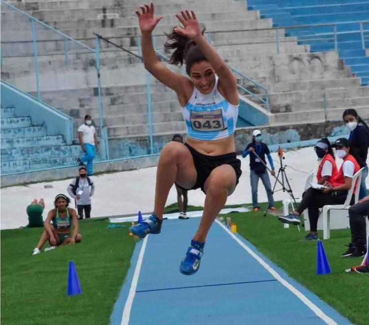 Silvina Ocampos salió séptima en la final de salto en triple en el Sudamericano en Ecuador