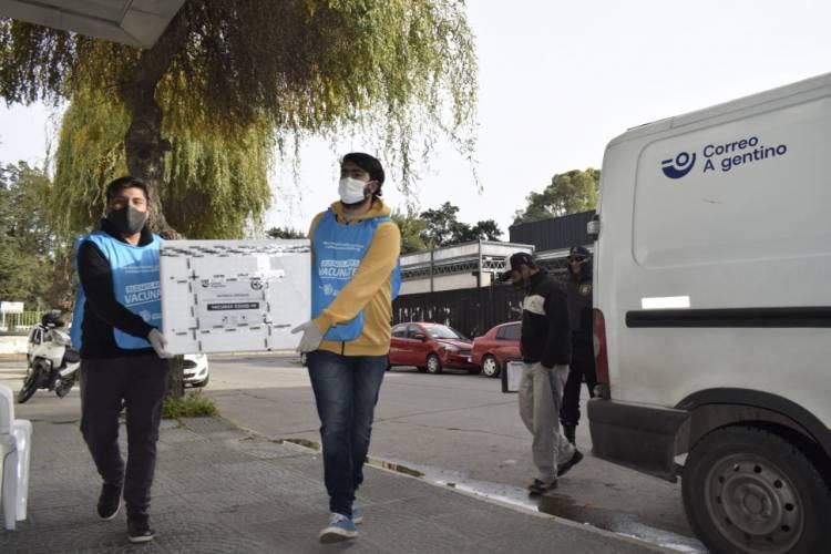 Llegaron 2000 nuevas dosis de AstraZeneca a Coronel Rosales