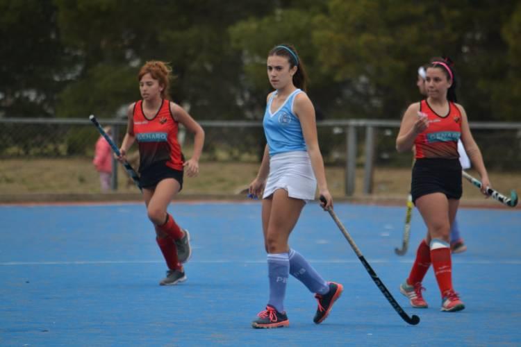 Puerto Belgrano y Sporting se enfrentaron en Torneo de Hockey Femenino 2021